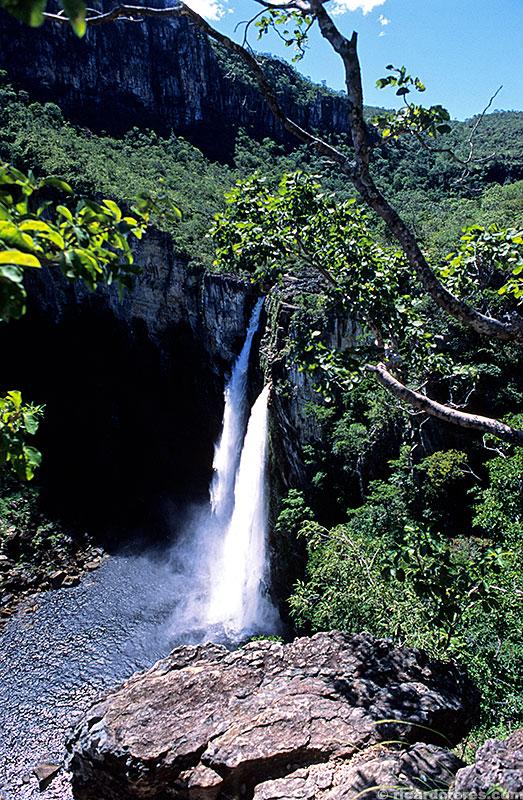 Salto do Rio Preto visto do mirante parque nacional
