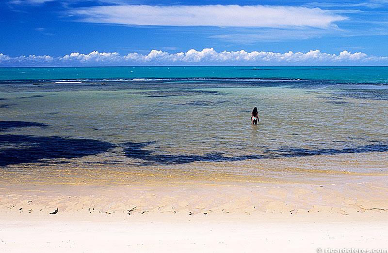Piscina natural formada na maré baixa