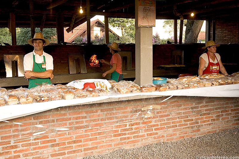 Comidas típicas na Festa da Colônia