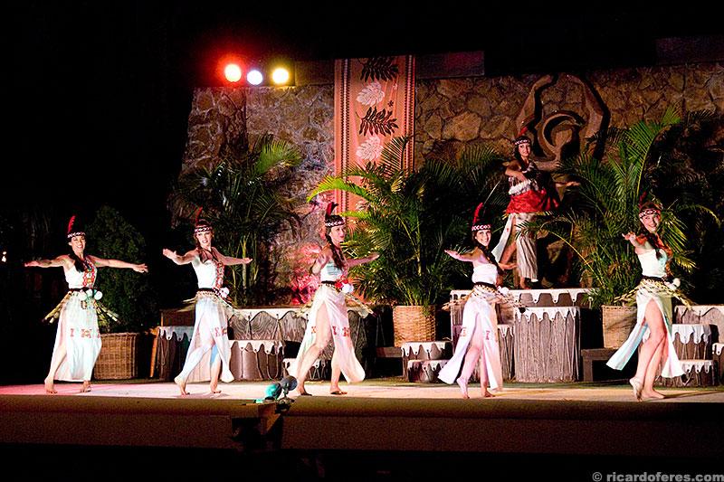 Apresentações de danças e história da cultura polinésia
