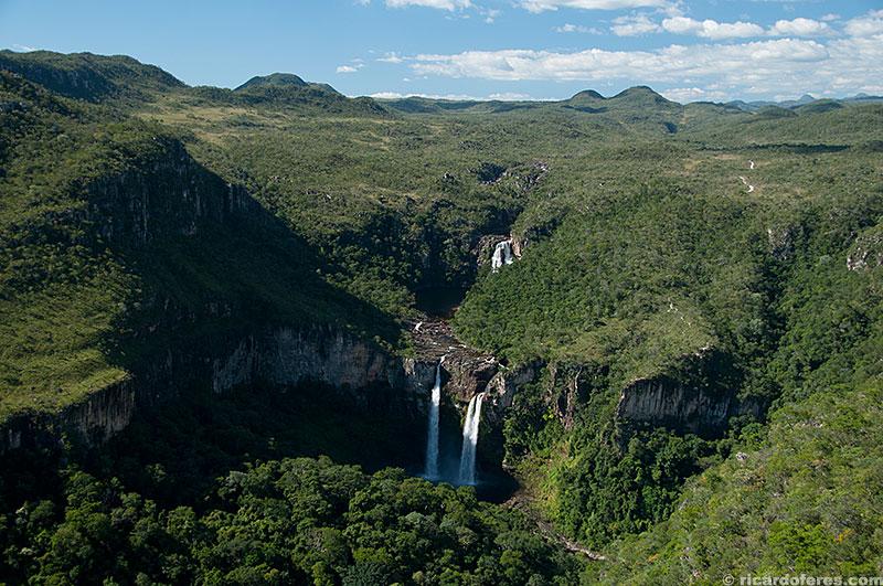 Saltos do Rio Preto vistos da Janela do Abismo