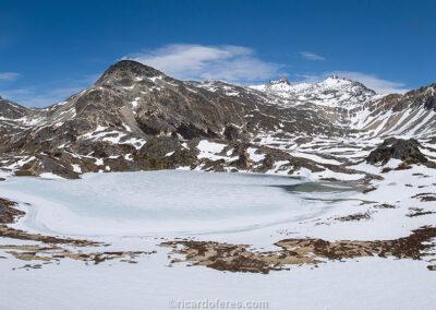 Frozen Laguna Azul, Ushuaia, Argentina. Photo with 58 cm x 27 cm (23 in x 10 in).