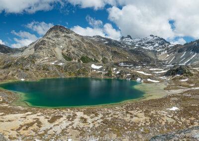 Laguna Azul descongelada, Ushuaia, Argentina. Foto com 58 cm x 27 cm.