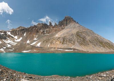 Laguna Duff, Parque Nacional Cerro Castillo, Chile. Foto com 61 cm x 31 cm.