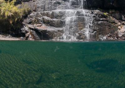 Foto subaquática na Cachoeira do Aiuruoca