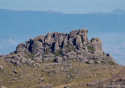 Prateleiras vistas da Pedra do Altar