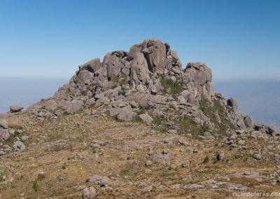 Prateleiras vistas do Morro do Couto