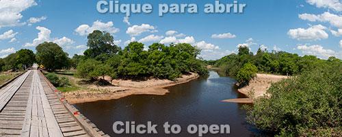 Ponte sobre o rio Abobral na Estrada-Parque